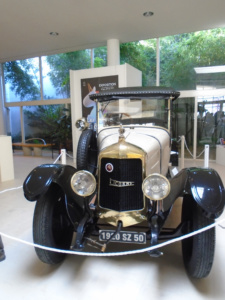 La voiture la licorne